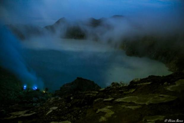 Blue Fire at Ijen Crater | Photo by @Elvianbarus