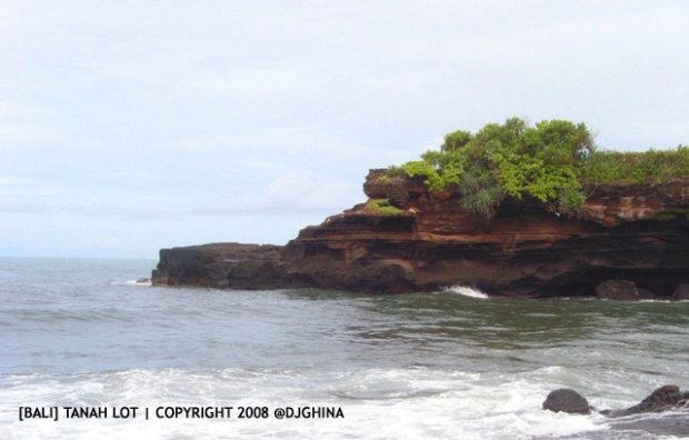 Tanah Lot, tempat memuja dewa laut